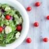 野菜サラダとミニトマト